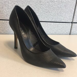 GUESS - black heels - size 8